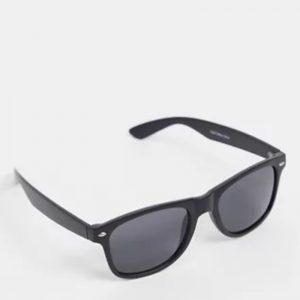 BURTON Matte Black Frame Wayfarer Mens Sunglasses 05S01QBLK